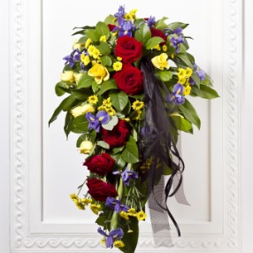 Mixed colors Sympathy bouquet